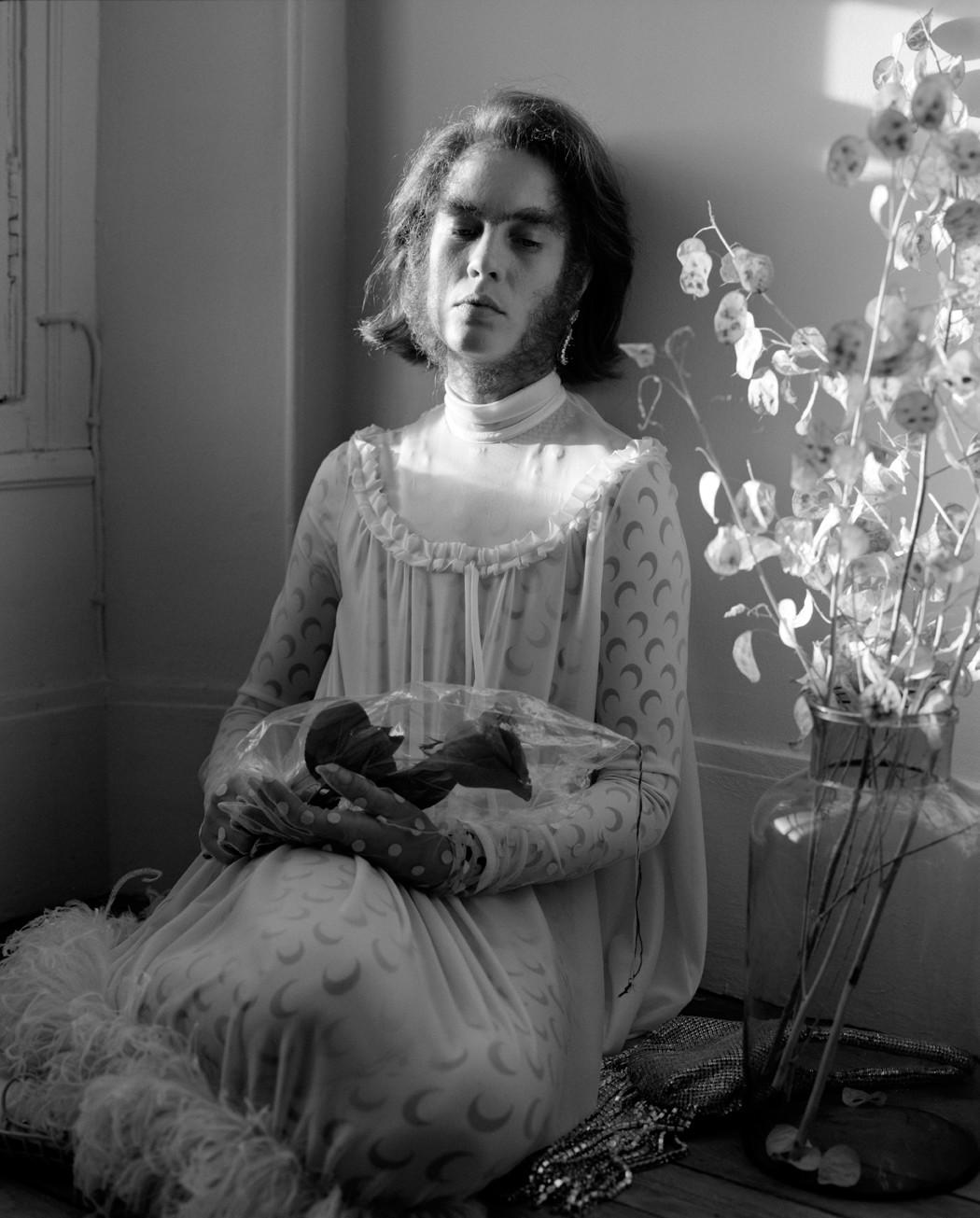 Donna Scimmia — © 2018 Estelle Hanania