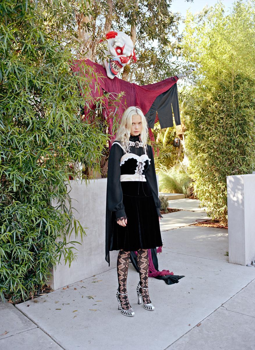 Interview - Halloween — © 2015 Estelle Hanania